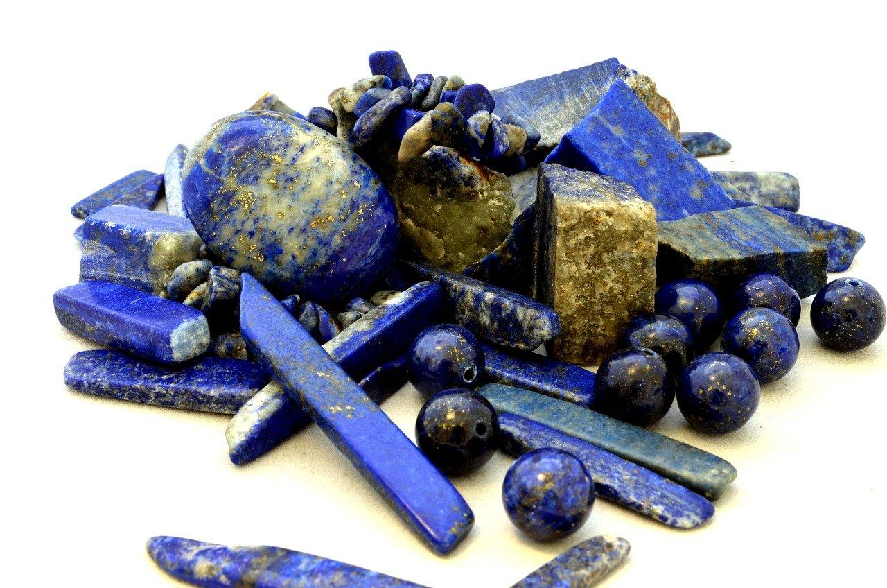 معلومات عن حجر اللازورد واستخداماته