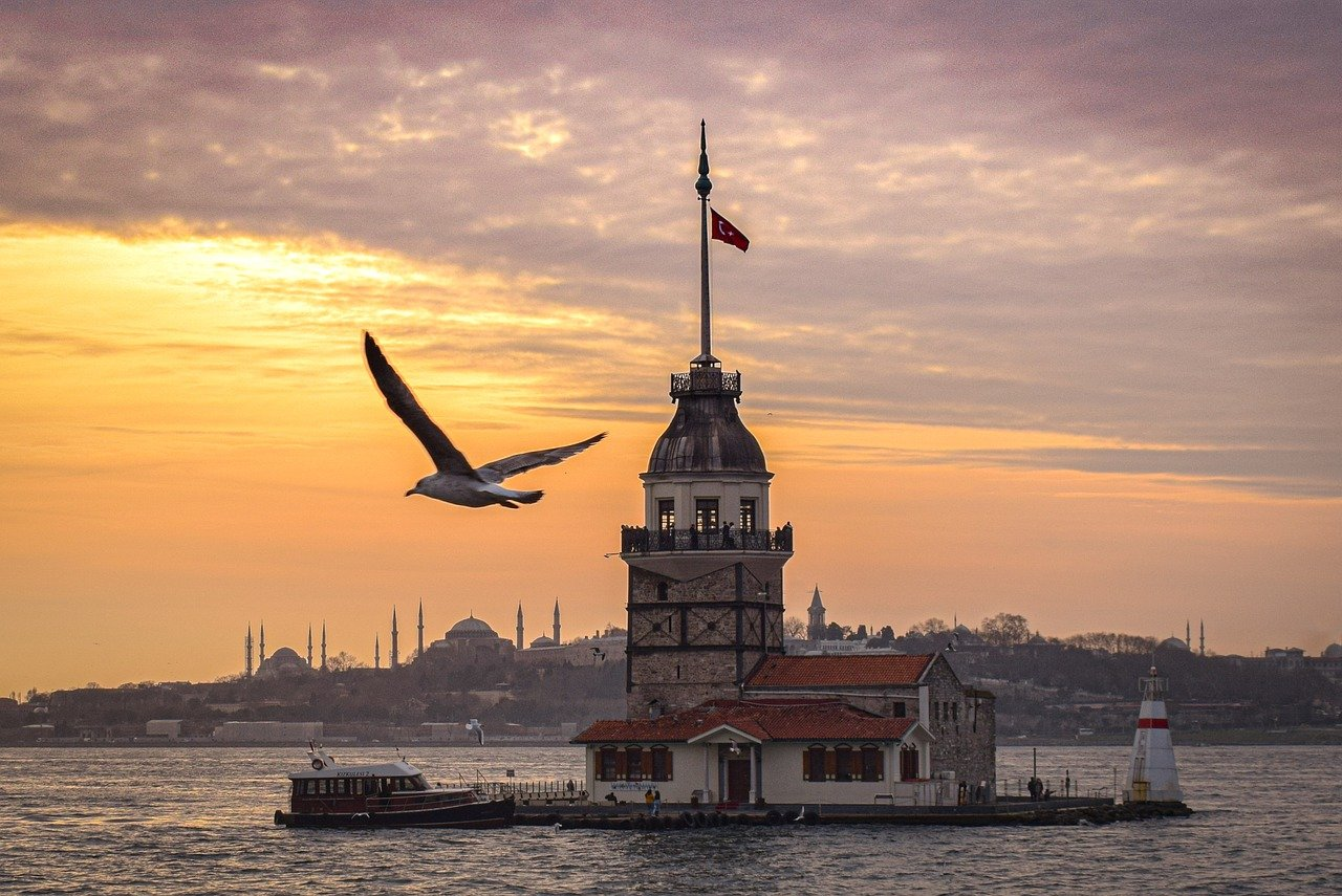 تاريخ و قصة برج الفتاة في تركيا