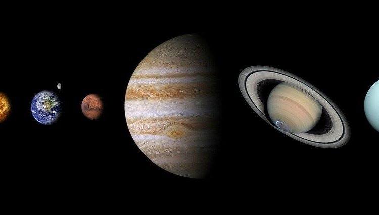 معلومات عن كوكب المشتري أكبر الكواكب الشمسية