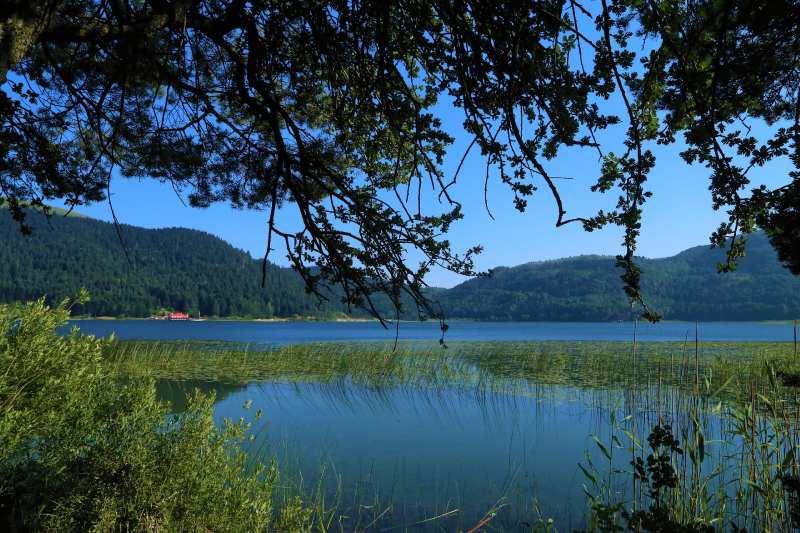أهم مايميز بحيرة أبانت