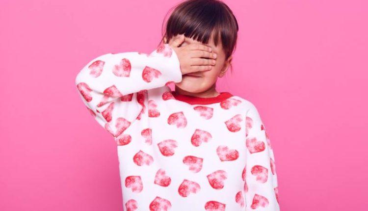 هل يسبب المرض النفسي آلاماً جسدية عند الأطفال؟