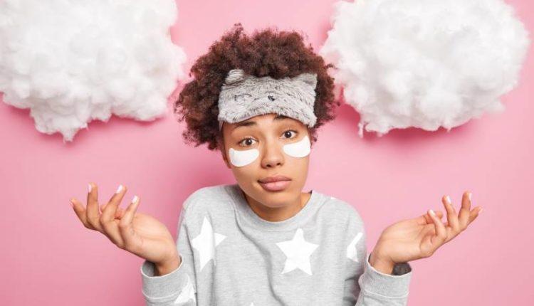 أسباب السواد تحت العين عند النساء وطرق علاجه