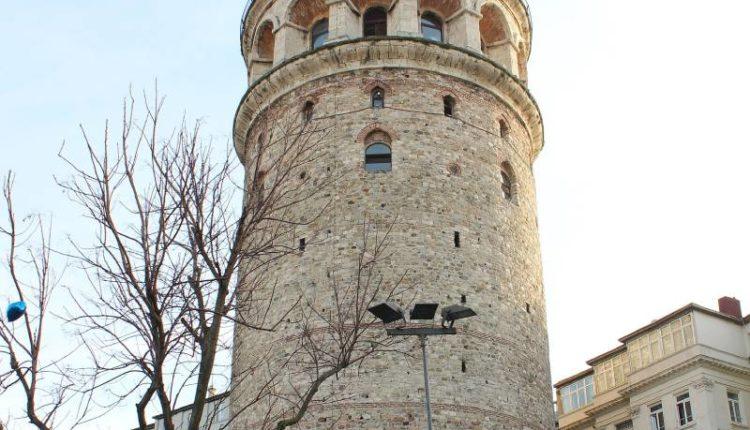 اين يقع برج غلطة في اسطنبول